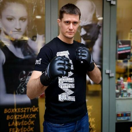 """""""#MMA is a sport""""- póló"""
